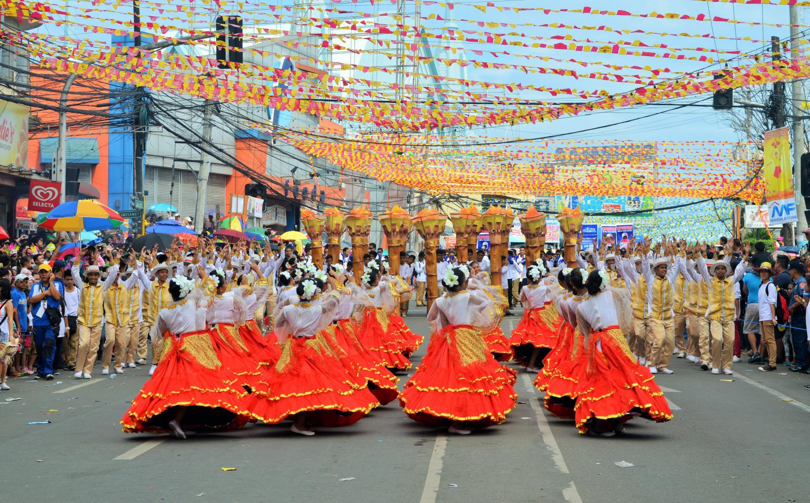 Volunteers can experience local culture during their English language course in the Philippines.